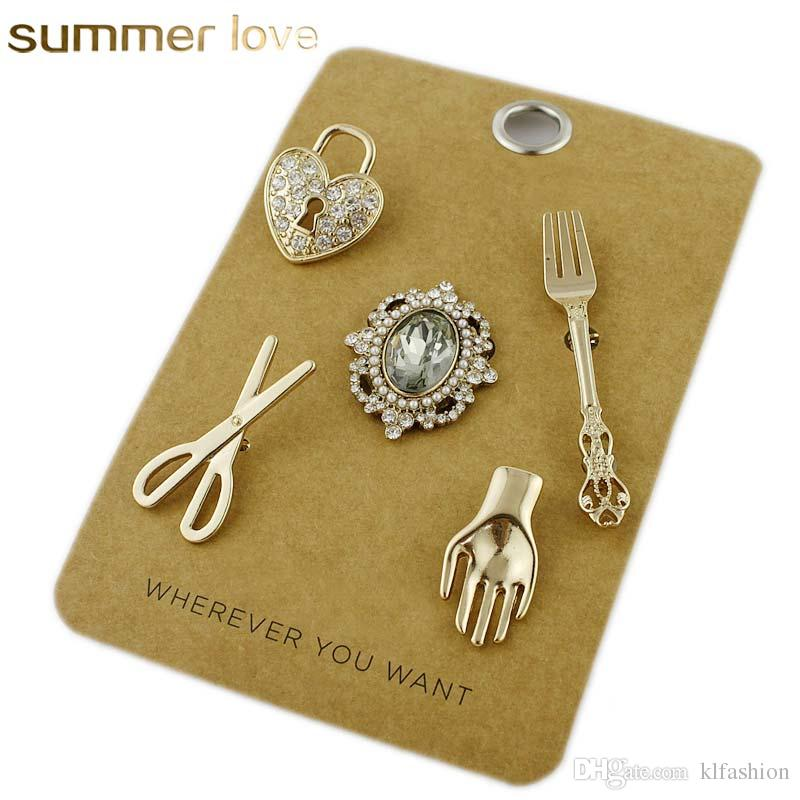 2019 Harajuku Scissors   Fork   Heart Brooches For Men Women Creative  Design Gold Crystal Collar Sweater Brooch Pin With Gift Card From  Klfashion 11318ab6beee