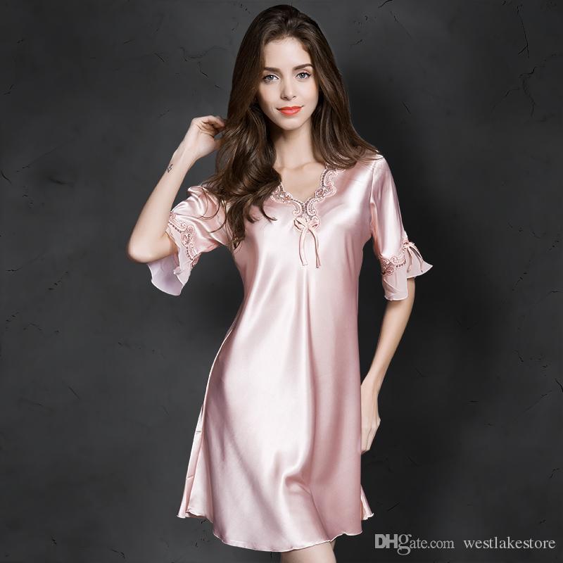 5ea9a5357 Compre Senhoras Legal De Seda Sleepwear Verão Camisola Lingerie Sexy Rosa  Nightdress Para Mulheres Cetim Sono Camisas Chemise Night Dress De  Westlakestore