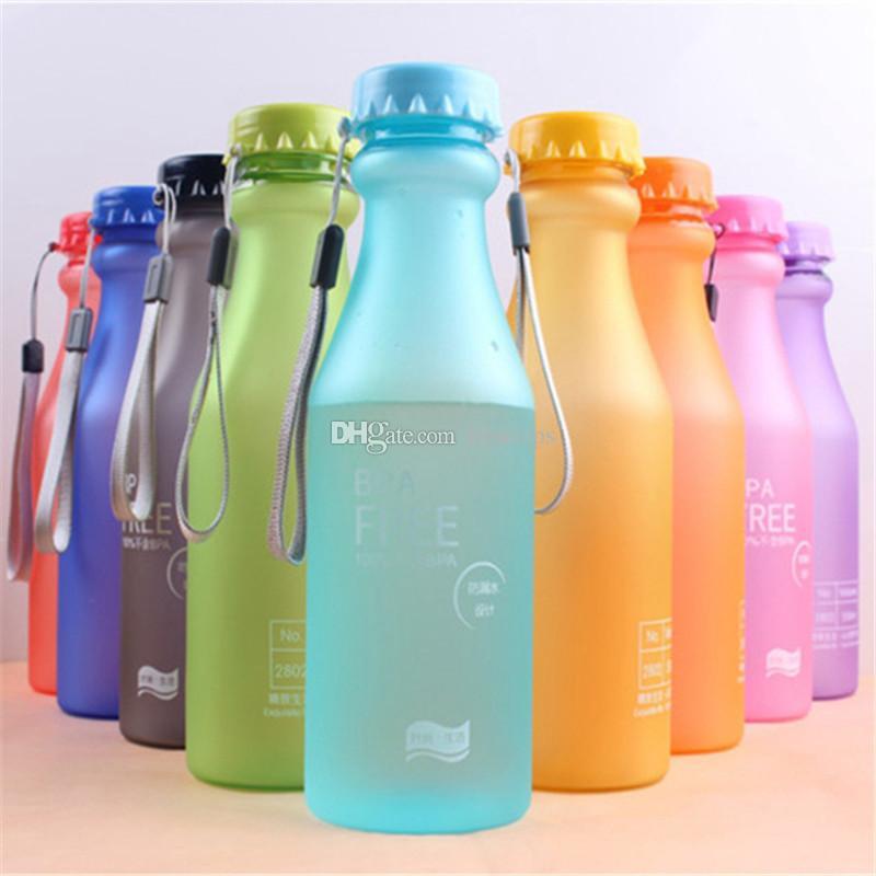 Nette Süßigkeitsfarbe Portable BPA geben auslaufsichere Fahrrad-Sport unbreakable 550ml Plastikgetränk-Wasser-Flasche aus