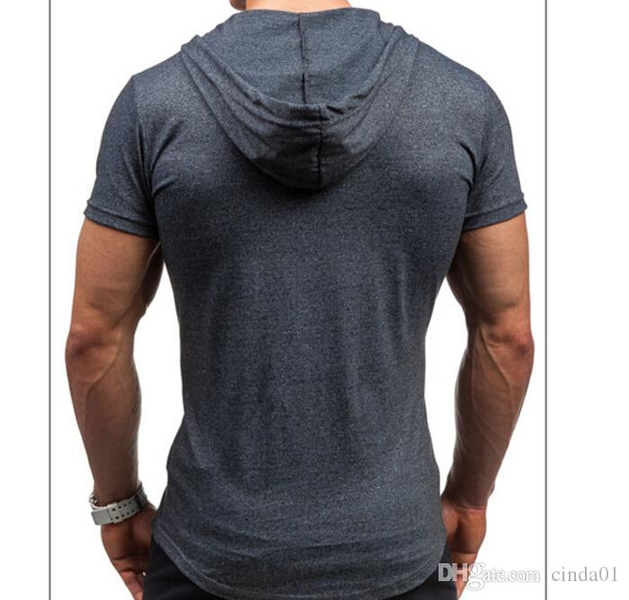 Camisola de verão Esporte Muscular Homem Casual Com Capuz T-shirt de Manga Curta Magro Apertado Dos Homens Carta de Impressão Camisa Inferior