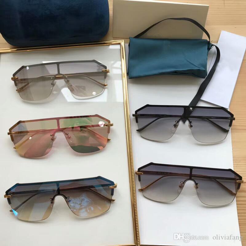 8bf995665 Compre 2018 Nova Marca Designer Óculos De Sol Gg0429 Super Chic Óculos De  Sol Unisex Óculos De Sol Das Mulheres Dos Homens Óculos Com Caixa De Meia  Armação ...