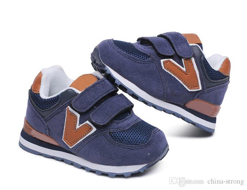 06cf2fa2741 Compre Nuevos Zapatos Para Niños N Carta Casual Slip Transpirable  Zapatillas De Cuero Zapatos Para Niños Zapatos Para Niños Niño Niña  Estudiante Calzado ...