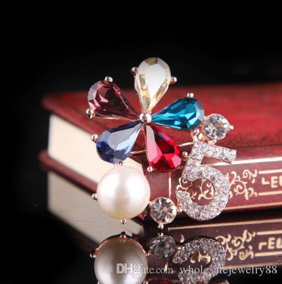 Charm Crystal Number Brooch Corsage Multicolor Crystal Flower Broach Smooth Pearl Collar Pins Women Girl Wedding Jewelry Clothing Accessory