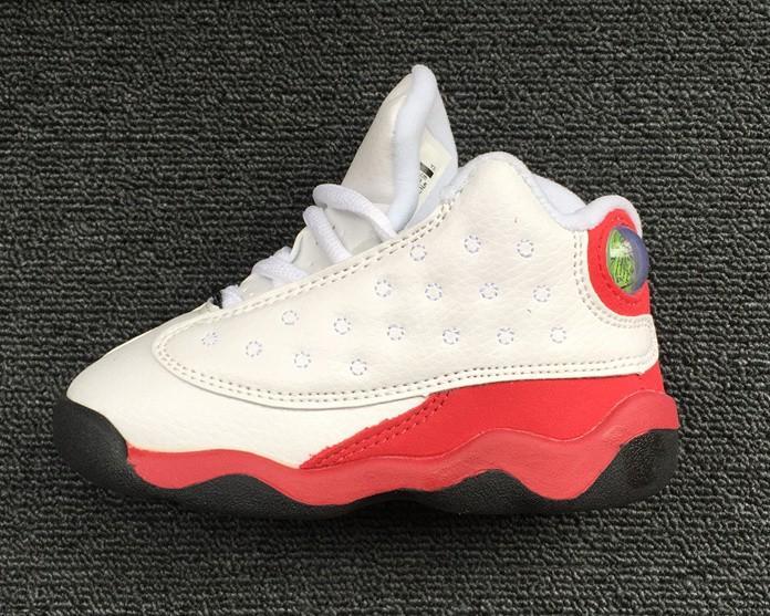 Горячее надувательство малышей 13s Flint ребенка маленькие дети баскетбол обувь 13 разводят черных кошек Infant Sports кроссовок мальчик и девочка дети спортивные кроссовки
