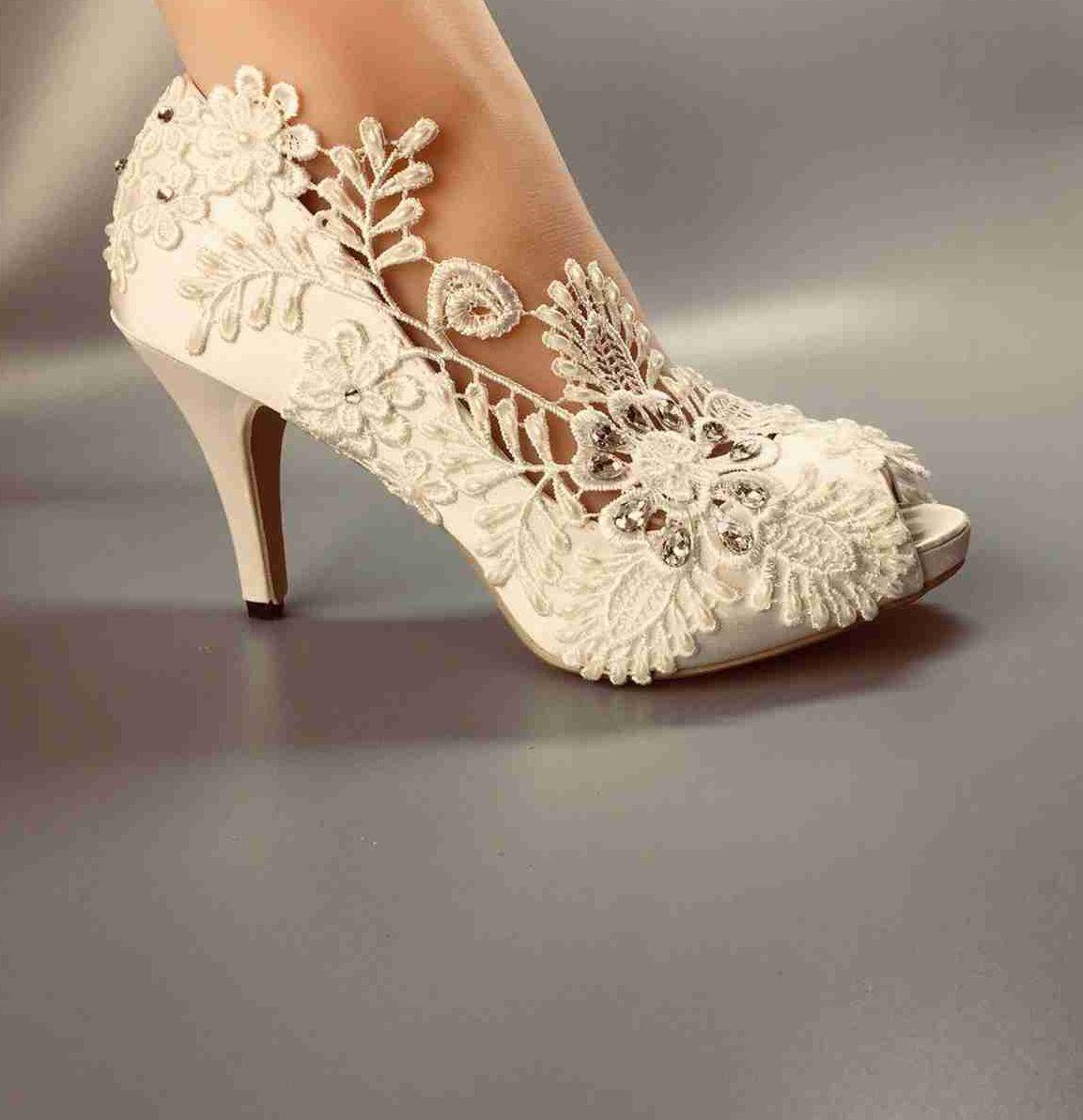 de4f9b0594d Women Wedding Peep Toe Shoes Waterproof White Lace Bride Wedding Dresses  HEEL Diamond Lace Manual Wedding BRIDAL HEEL Shoes SIZE EU 35 42 Taupe  Wedding ...