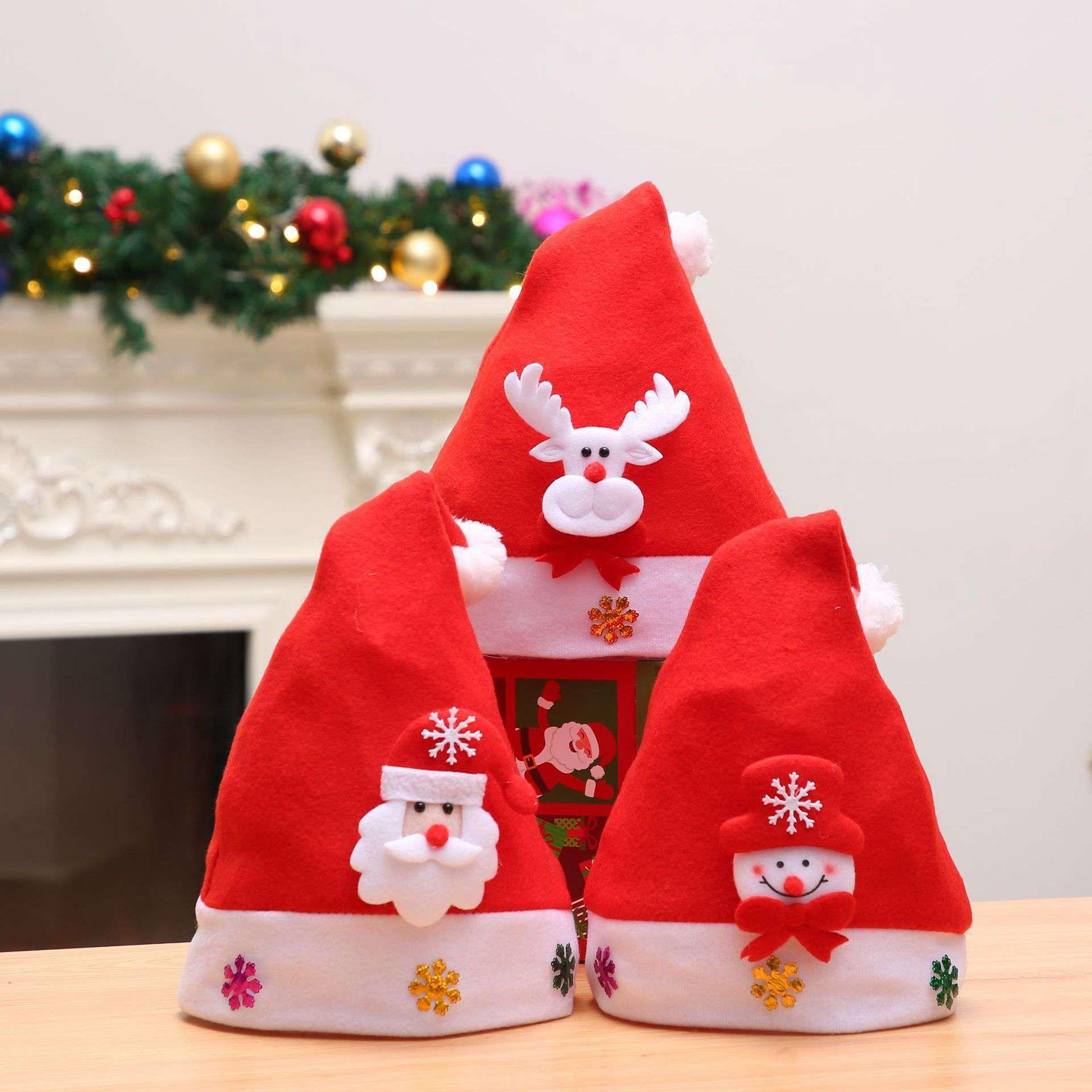 Compre Sombrero De Navidad De Felpa Al Por Mayor Sombrero De Santa Claus  Decoraciones De Navidad Rojas Adornos De Navidad Para Niños Adultos Con  Bolsa De ... 6f6bb9a321a