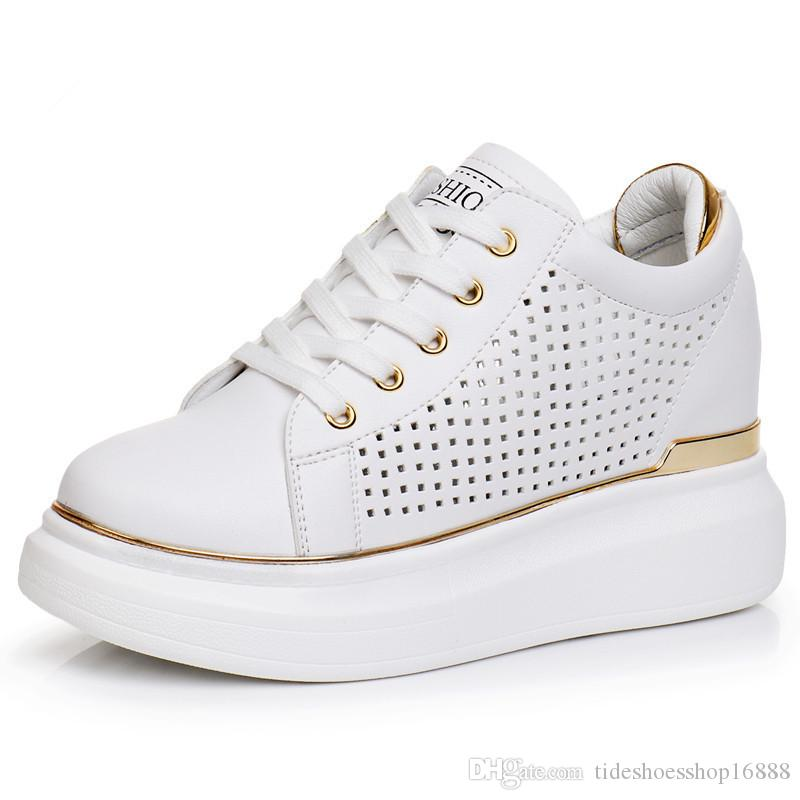 da63573de0 Compre Tênis Branco Sapatos Mulher Senhoras Casuais Schoenen Vrouw Sapatos  Cunhas Saltos Tenis Feminino Zapatos Mujer Plataforma Plana Dames Schoenen  ...
