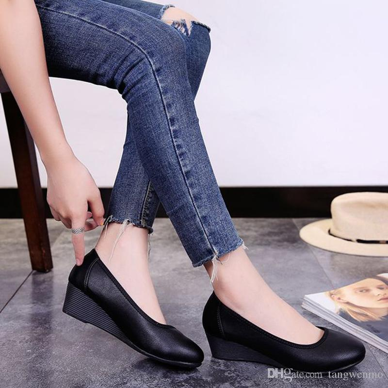 Work Shoes Soft Bottom Is Comfortable To Wear Women S Shoes Professional  Sloping And Round Office Shoes Women Italian Shoes Summer Shoes From  Tangwenmo 8891ac7a8