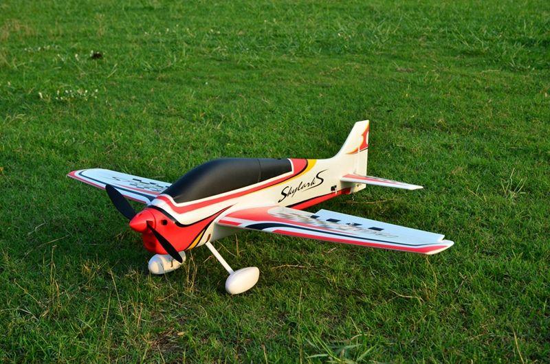 EPO rc uçak 3A spor RC uçak / RC model HOBİ OYUNCAK 15E Wingspan 1000MM F3A Skylarks RC uçak kit grubu veya PNP kümesi