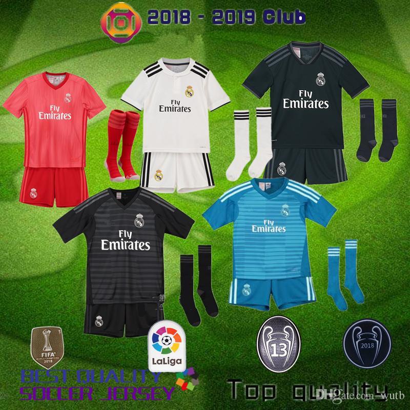 33fb8a2b4 Großhandel Real Madrid 2019 Kids Kit Fußball Trikot 2018 19 Heim Heim  Torwart Fußball Trikots ISCO ASENSIO BALE KROOS Kind 3rd Rot Fußball Shirts  Von Wutb