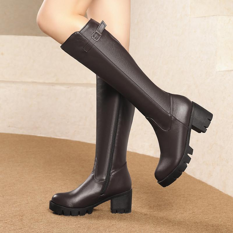 52aa86f4309 Compre YMECHIC Invierno Mujer Botas 2018 Negro Marrón Plataforma Bloque  Zapatos De Tacón Hebilla De Caballero Para Mujer Tacones Altos Paseo  Rodilla Botas ...