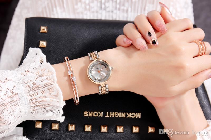 Yeni Moda elbise Elmas Kol Saati Renkli Marka C Gül altın saat Kuvars Saatler Kadınlar Saat tam elmas kare arama yüz kutusu ile