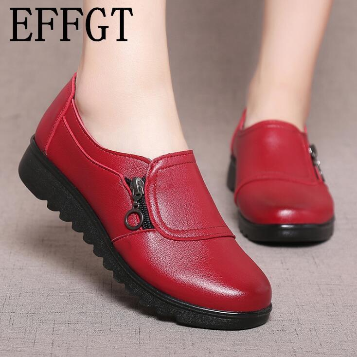 Wholesale Fashion Soft Leather Round Toe Women Casual Flats Ladies  Patchwork Side Zipper Flat Oxford Shoes New Mother Shoes Z166 Online with   34.96 Pair on ... 9ad5bd16c4d