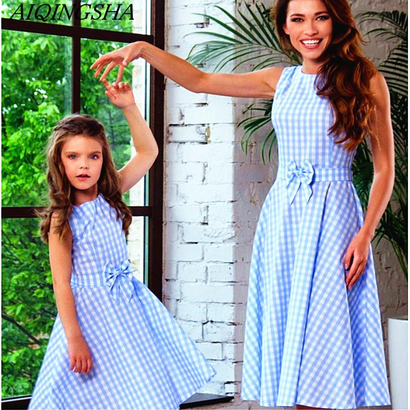 cd65fda7dbe 2018 Summer Mother Daughter Dresses Bowtie Plaid Boho Mommy And Me Clothes  Family Matching Outfits Twins Family Beach Clothing Mother And Daughter  Outfits ...