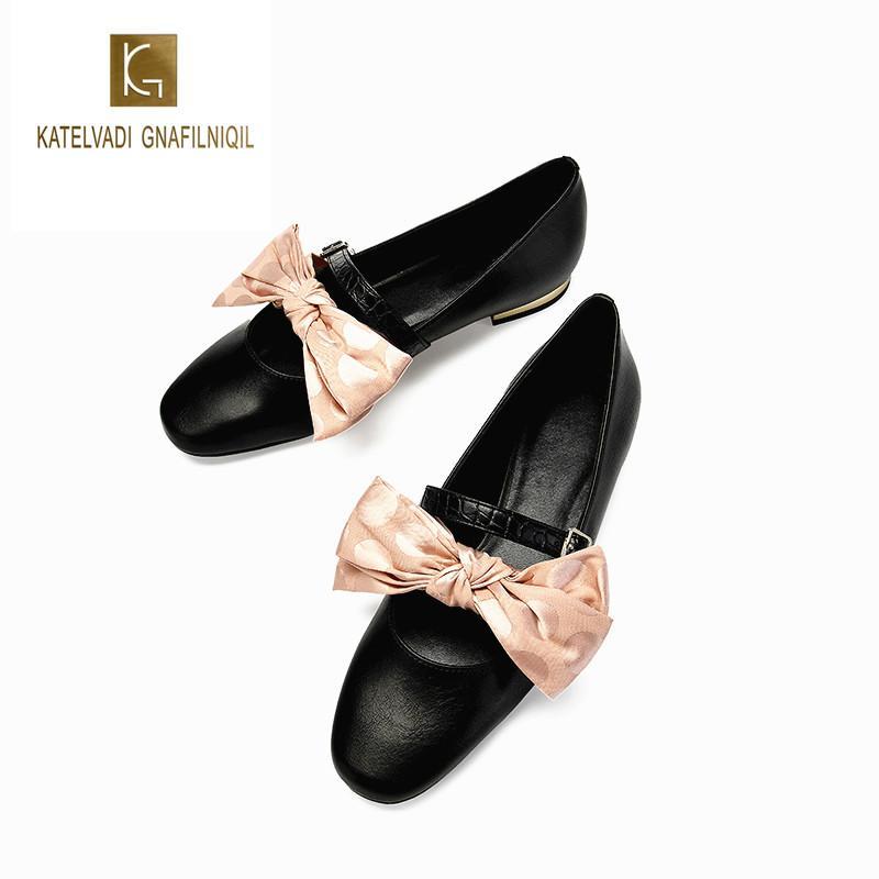 9d604cf24c Compre Bowknot Zapatos De Mujer Moda Casual 1.5 CM Tacón Bajo Rosa Mariposa  Nudo Zapatos Mujer Cuero Brock Chunky Zapatos K 306 A  67.51 Del Zhongfubag  ...