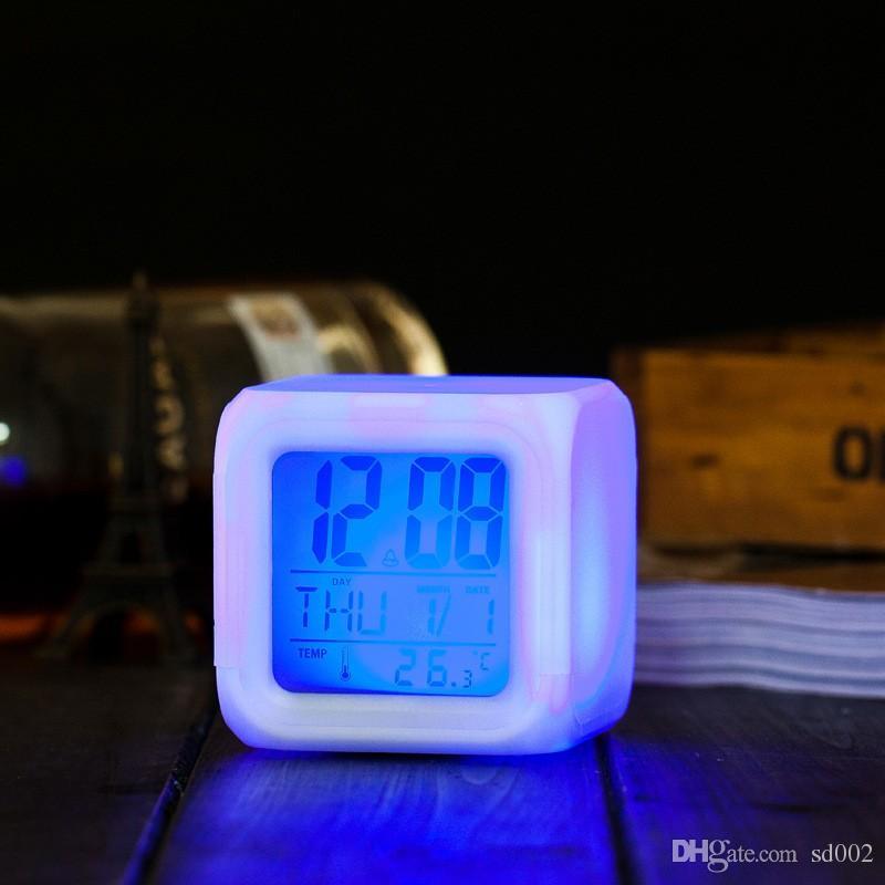 Kreative Digitale Wecker Farbwechsel Multi Funktion Tischuhren Platz LED Leuchten Uhr Hohe Qualität 7 25 wj B