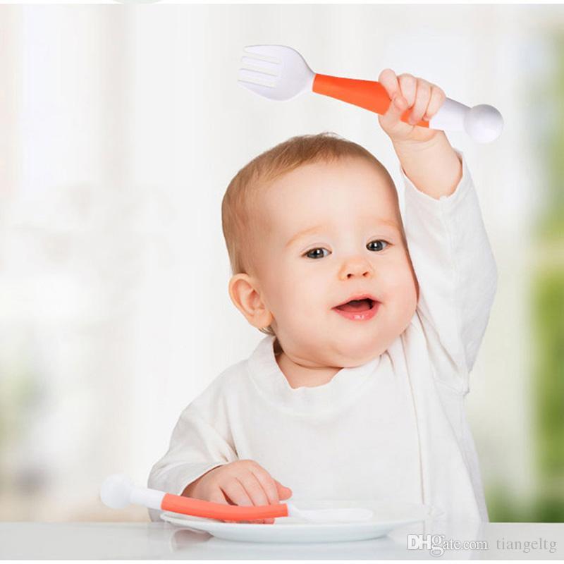 Cucchiaino flessibile forchetta Set regolabile bambini Piatti l'apprendimento Stoviglie Infantile bambini da tavola Torsione Musica pieghevole