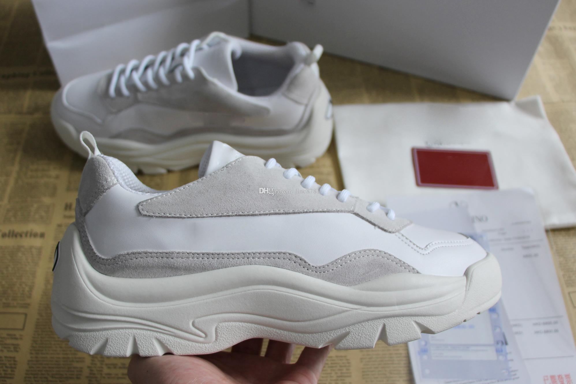 e7812a8f614a0 Compre Moda Homem Mulheres Sapato Sapatos De Grife De Marca De Luxo Tênis  De Corrida De Bezerro E Camurça Sapatilha De Couro Sola De Borracha Tamanho  34 46 ...