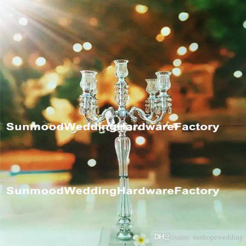 nuovi prodotti acrilico Crystal Wedding Flower Stand con fili di perle di vetro