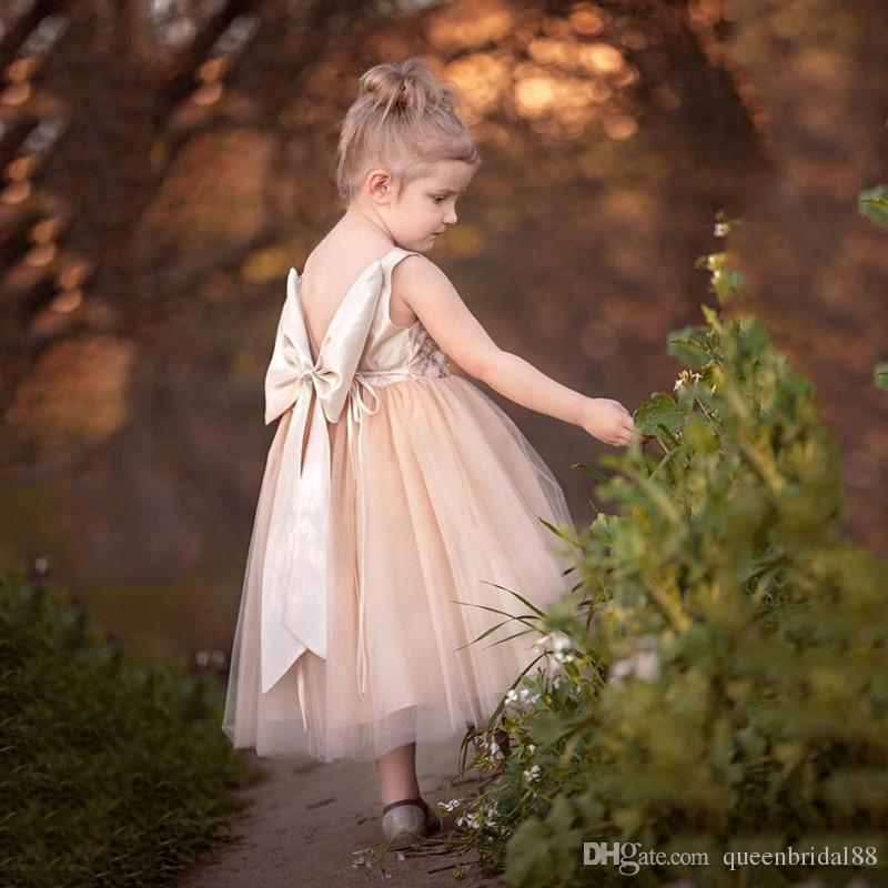 New Tea Length Tulle Flower Girls' Dresses for Weddings with Bow Backless Jewel Neck Beaded Princess Pageant Party Gowns