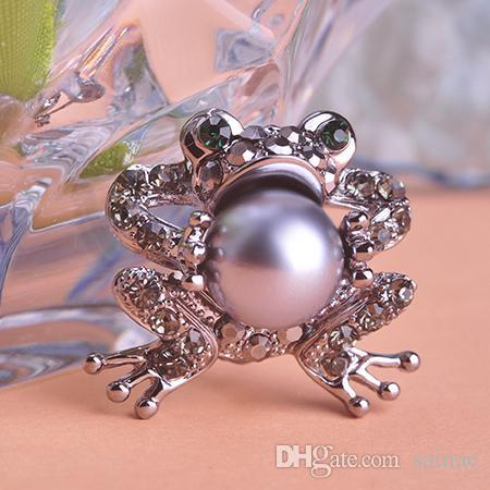 80fcbc742bd Wholesale- Simulated Pearl Brooches For Women Toad Shaped Luck ...