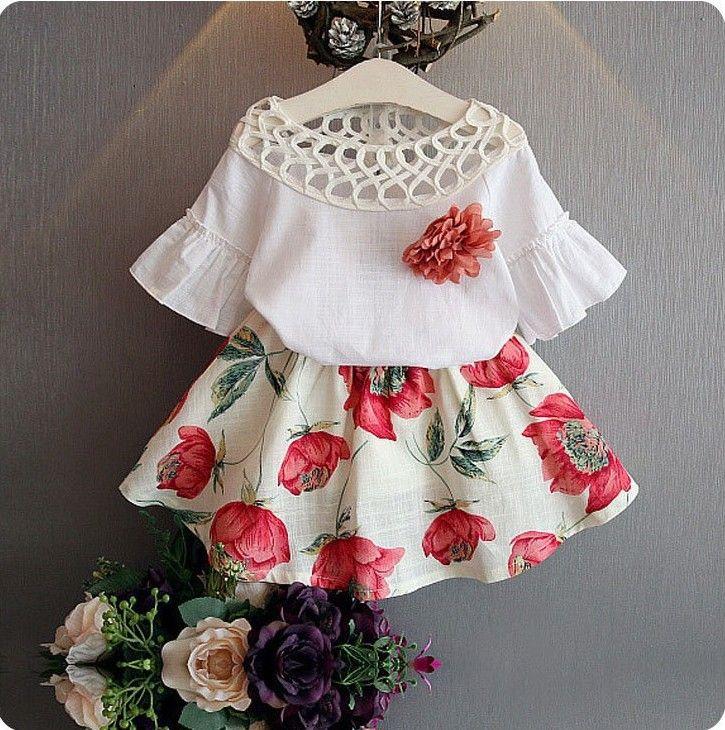 Kızlar Bebek Çocuk Giyim Setleri çiçek üst T-shirt oymak + çiçek etek kısa 2 Adet / takım Yaz Prenses Elbise Butik Giyim Kıyafetler