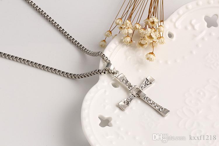 Europeu e americano multi-camada cruz pingente de colar de aço inoxidável venda quente amantes da jóia pingente frete grátis