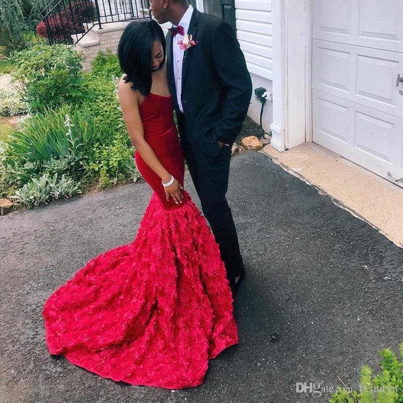 Sexy Red Sereia Vestidos de Baile Elegante Strapless Veludo 3D Floral Sweep Train Longo 2018 Africano Vestidos de Noite Para Meninas Negras Custom Made