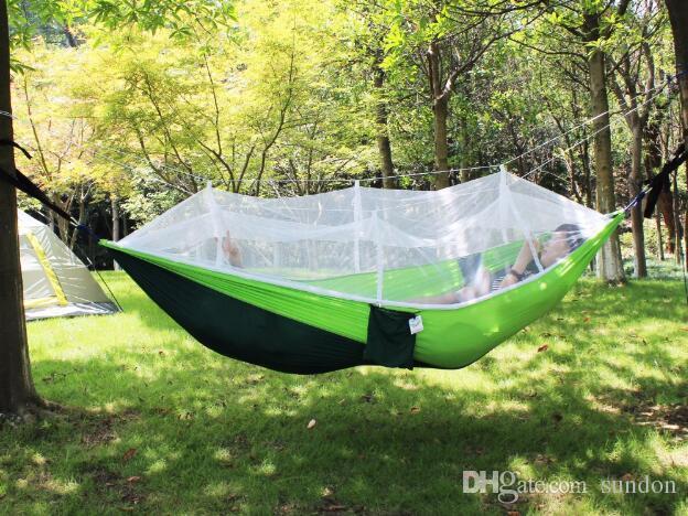 Mobília ao ar livre uso geral redes militares hammock portátil pendurado cama hammock balanço cadeira dupla rede de pára-quedas com mosquiteiro