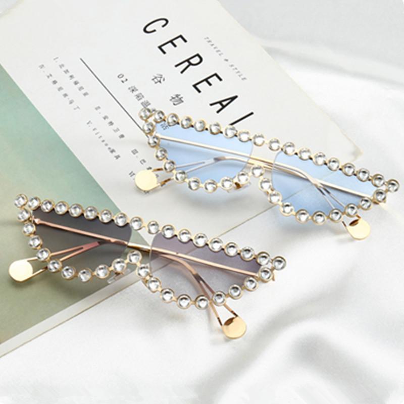 Acheter Phoemix Sexy Diamant Petit Cadre Oeil De Chat Demi Cercle Lunettes  De Soleil Femmes Hommes Marque Designer De Luxe 2018 Nouvelle Mode Lunettes  UV400 ... da8cc2902d77