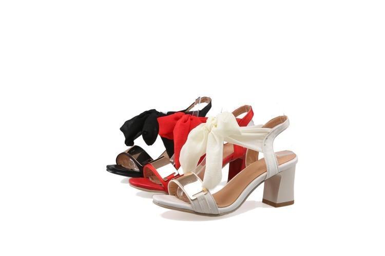 Sandalen Frauen Rot Sommer Code 31 Mode Ferse 45 Beige Neuankömmlinge Dekoration Grob Metall Schuhe Damen Bandage Schwarz wvN8nm0