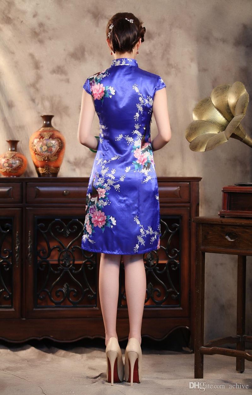 Promotionnel Rétro Chinois Cheongsam Courte Soie Comme Satin Col Haut Sans Manches Longueur Du Genou QiPao Pas Cher Imprimé Robes De Fête Moulante