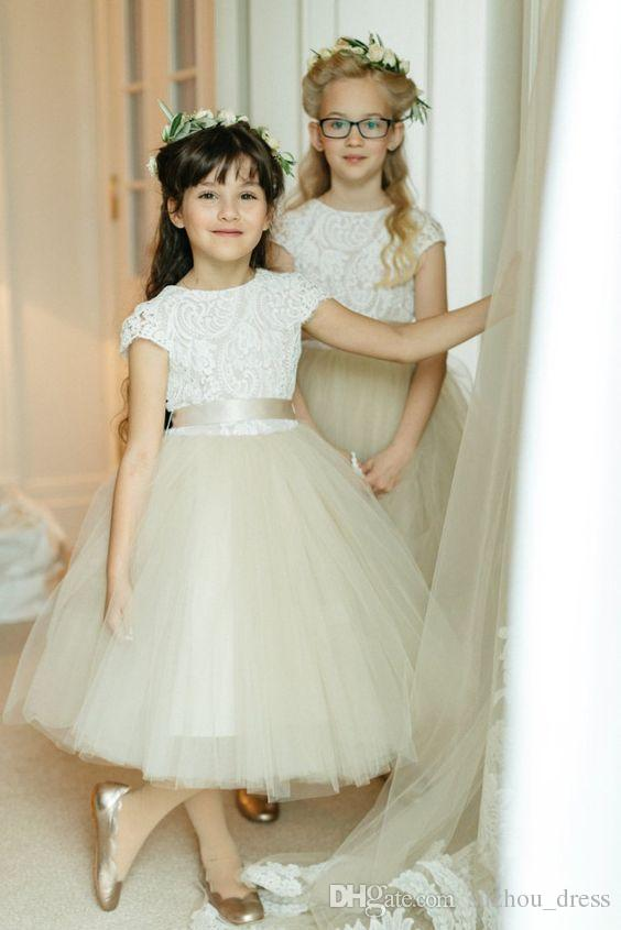 2018 Princess White Lace Flower Girls Dresses Cape Sleeve Puffy Tulle Ball Gown Back With Bow Sashes Tea Length First Communion Dresses
