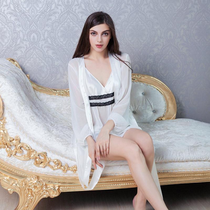 451de234c Compre Ms. Emulação De Seda Suspensórios Pijamas Calças Terno Sexy Camisola  De Compra Três Senhoras Camisola De Seda Sling De Liujunjie3344