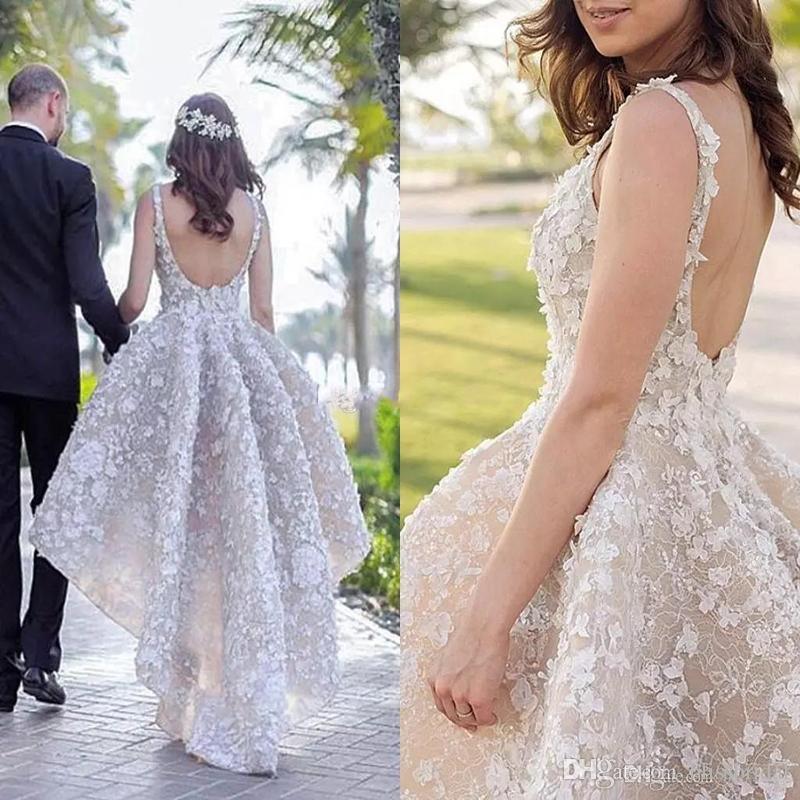 2018 높은 낮은 레이스 웨딩 드레스 푹신한 샴페인 백업없는 3D 꽃 민소매 섹시한 신부 가운 해변 국가 웨딩
