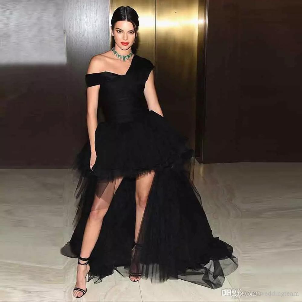 Siyah Yüksek Düşük Tül Gelinlik Modelleri V Yaka Kokteyl Parti Elbise Fermuar Geri Custom Made Tül Kısa Abiye giyim