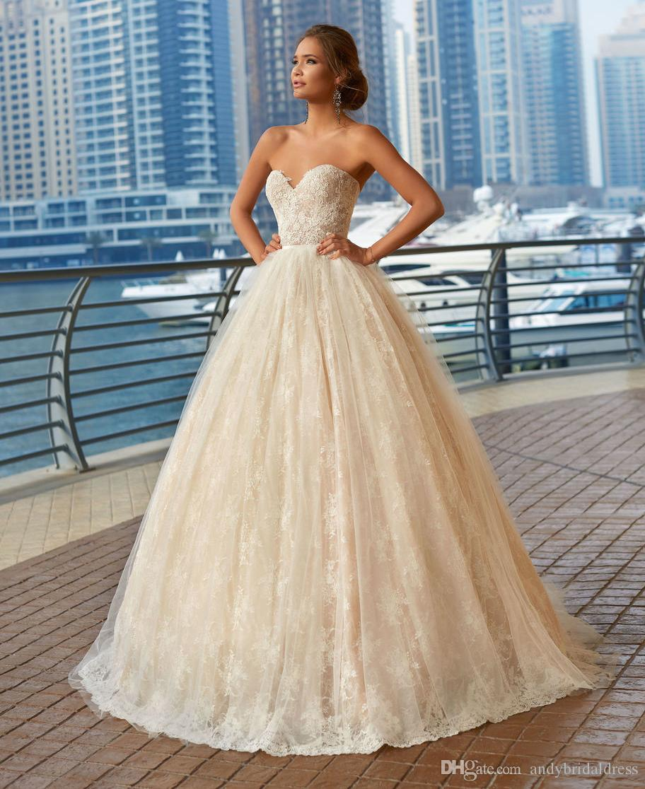 17a3688f58 Vintage Sweetheart Lace Ball Gown Wedding Dresses Bridal Gown Vestido De  Casamento Strapless Empire Waist Sweep Train Bride Dresses Sexy Wedding  Gowns ...