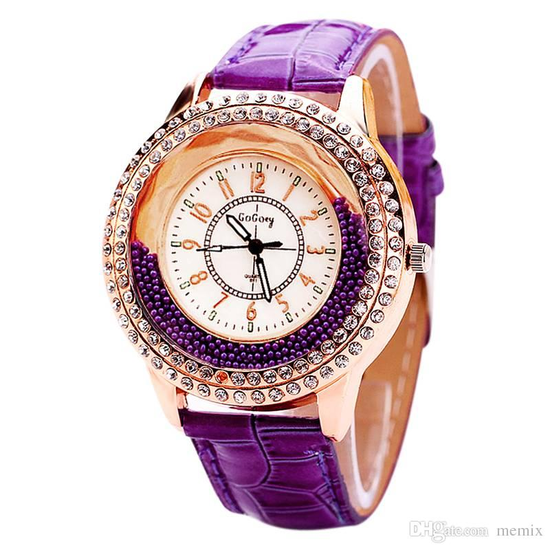 46b8e366670 Compre Mulheres De Luxo Relógios Redondos Relógio Clássico Feminino De  Cristal De Quartzo 2018 Relógios Senhora Vestido Relógios De Pulso Reloj  Mujer Frete ...