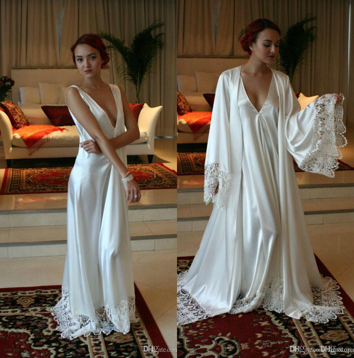 808a3e14ab 2019 Chic Long Sleeves Cheap Bridesmaid And Bride Robes Custom Made Silk  Satin Bathrobe Wedding Party Robe For Women Floor Length Lace Sleepwear  From ...
