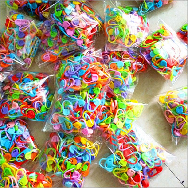 100 * HAUTE qualité en plastique Marqueurs Titulaire Aiguille Clip Artisanat Mix Mini Tricot Crochet Point De Verrouillage Accessoires pour La Couture