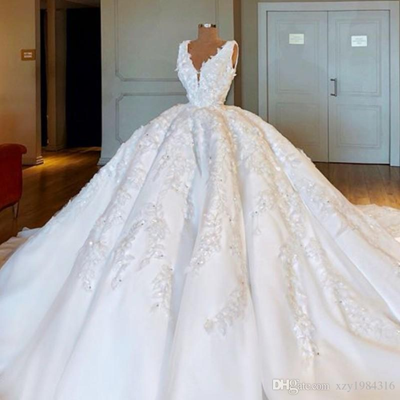 Dubai Fabulous White Wedding Dresses Sexy V Neck 3d Floral Appliques Beads Ball Gown Bridal Gorgeous Arabia Fluffy Gowns Yellow