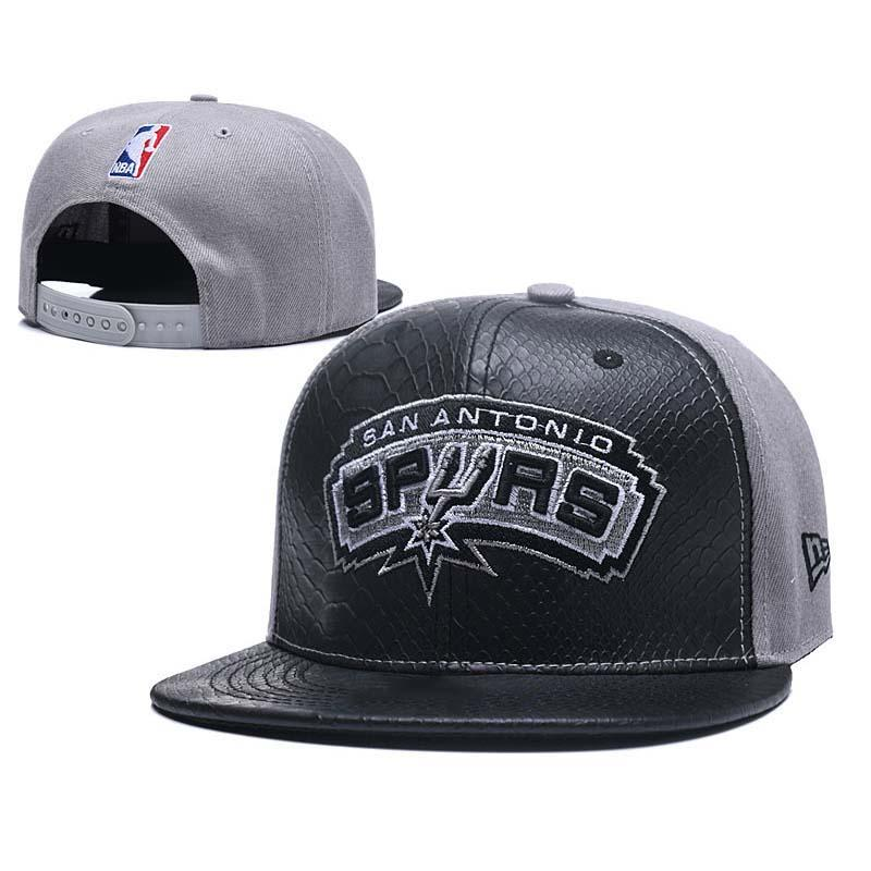 Fashion 2018 New Style Summer Hip Hop Flat Peaked Caps Embroidered ... 1fa27aae39