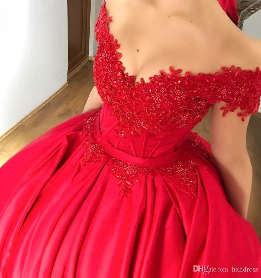 2019 새로운 Modest 숄더 레드 볼 가운 Quinceanera 드레스 Appiques 골치 아픈 건 코르셋 레이스 업 댄스 파티 드레스 Sweet Sixteen Dresses 436