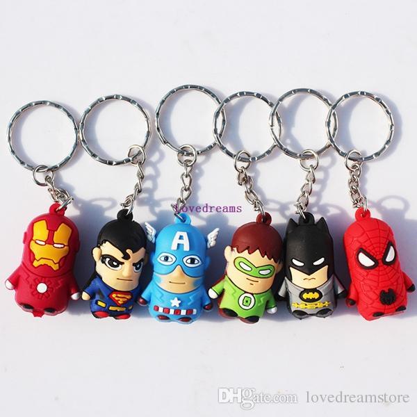 30 unids / El teléfono Llaveros Spiderman Superman Iron Man Batman Capitán América Green Lantern Mini Colgantes Juguetes de Figuras de Goma Suave