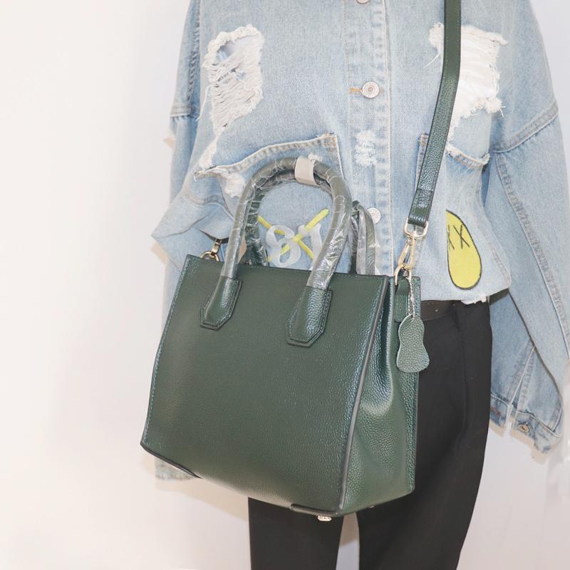 fbf3051a5d315 Großhandel Kuh Haut Echtes Leder Taschen Handtaschen Frauen Berühmte Marken  2018 Mode Armee Grün Umhängetasche Saffiano Crossbody Lock Bag Von Roseyy