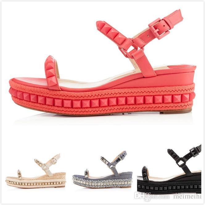 foto ufficiali edd5e 037ef 2018 sandali da donna estate sandali rossi Cataclou 60mm rivetti  impreziositi con zeppa sul fondo con scarpe da camminata di design Brnad di  lusso