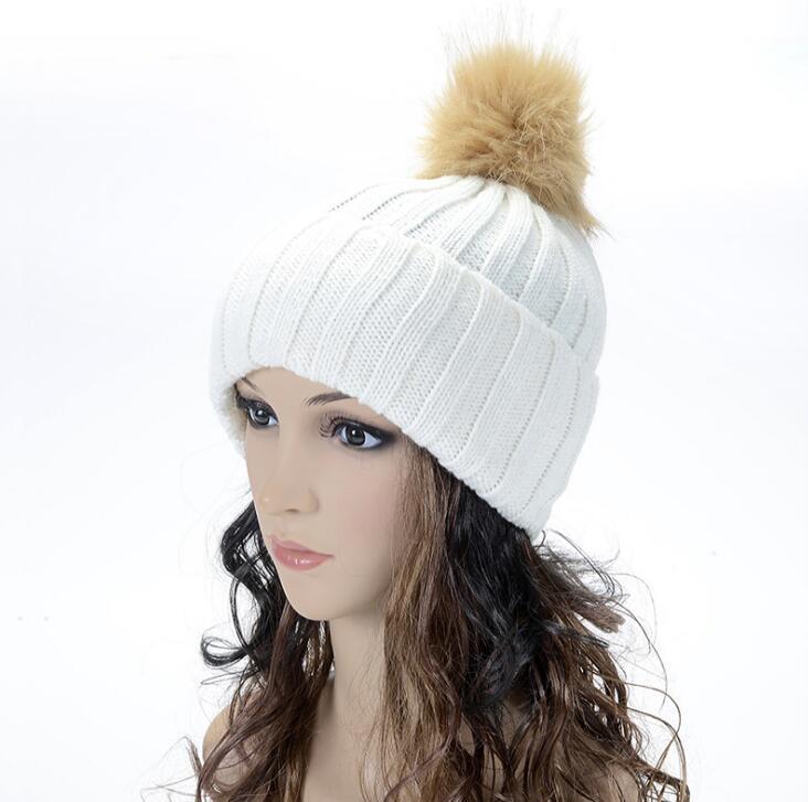 Kadın Şapkalar Kış Örme Kürk Poms Beanie Astar Kablo Hımbıl Kafatası Caps Ile Moda Eğlence Beanie Açık Şapka