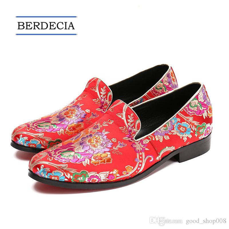 e3882cd475eed1 2018 Men Designer Red Classic Flowers Embroidery Loafers Shoe Leisure Men's  Dress Shoes Wedding Party Formal Shoe Large Size Men Flats 36-47