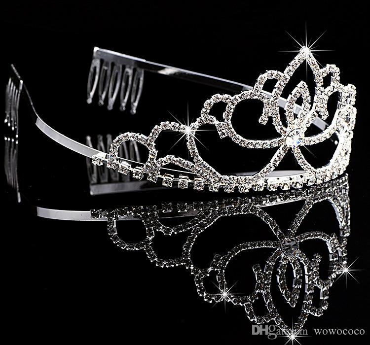Hecho a mano Bling Silver Wedding Nupcial Crystal Crown Dama de honor Tiaras Bonito regalo para niña 12 * 5.5CM H0004