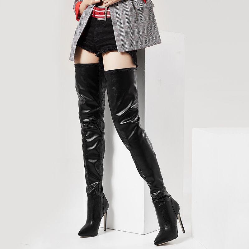 2a6e7947d7 Compre Hot Mais De Joelho Botas Desfile De Moda Mulheres Sapatos Sólidos  Bombas Pretas Novas Botas De Couro De Patente Zipper Sapato Feminino  Senhora Botas ...
